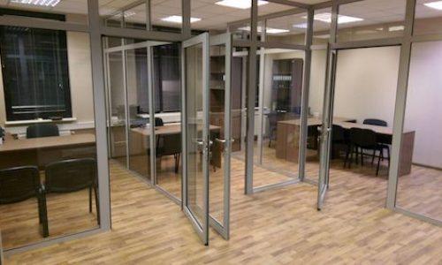 Stikla starpsienas ofisam