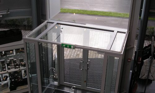 Alumīja- stikla konstrukcijas ieejai